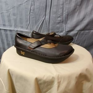 Alegria by PG Lite brown shoes womens size 39